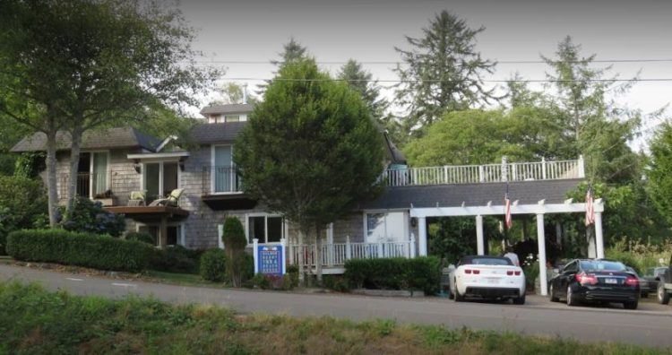 Salmonberry Inn