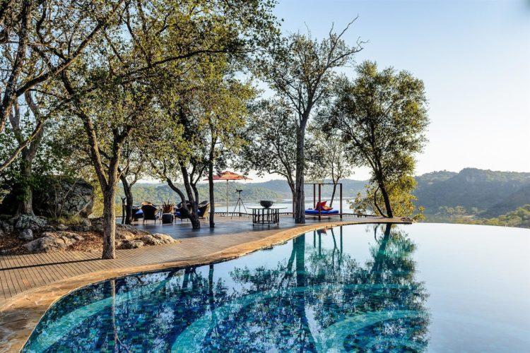 Piscina de Singita Pamushana Lodge - Destino de safari