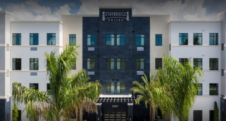 Suites Staybridge