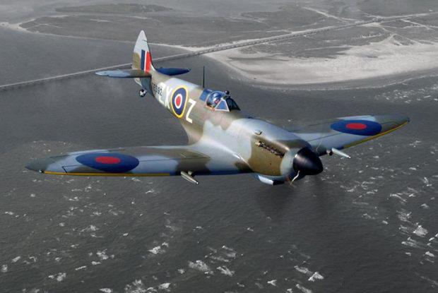 Supermarine Spitfire TE392 Los 10 aviones de la Segunda Guerra Mundial más reconocidos de la historia