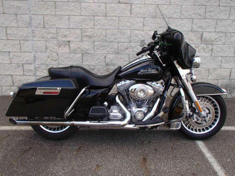 The 2009 Harley Davidson FLHT Electra Glide La Harley-Davidson FLHT Electra-Glide 2009