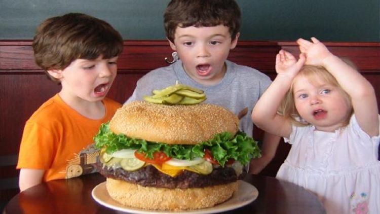 The Absolutely Ridiculous Burger Mallies Sports Grill Bar Detroit Las 10 hamburguesas más caras de la historia de los restaurantes