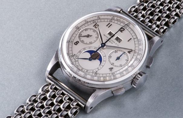 The Patek Philippe 1944 Wristwatch in Stainless Steel Una mirada más cercana al reloj de pulsera Patek Philippe 1944 de acero inoxidable