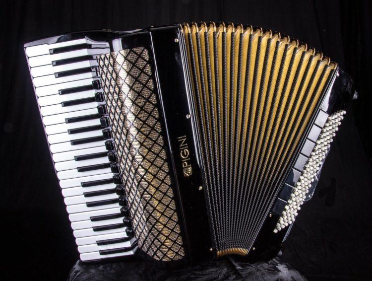 The Pigini Mythos Los acordeones más caros jamás vendidos