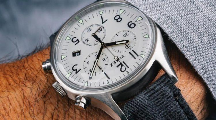 Reloj Timex MK1 de acero con esfera blanca