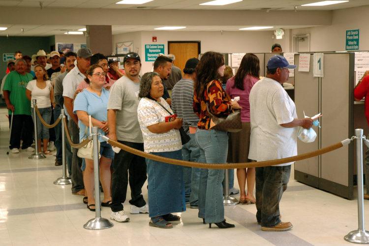 Unemployment Line e1558616533945 ¿Cuáles son los distintos tipos de desempleo?