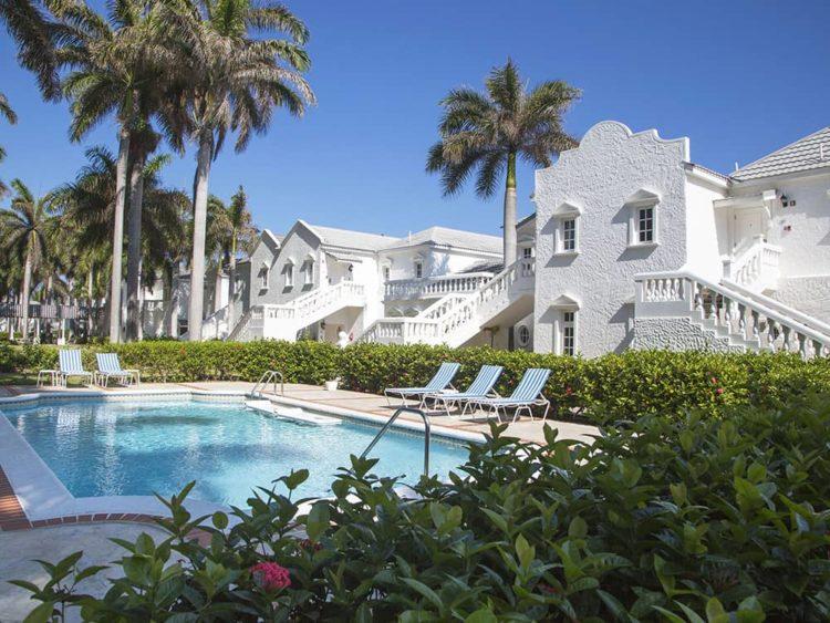 accommodation royal court05 Cinco escapadas románticas poco convencionales en 2019