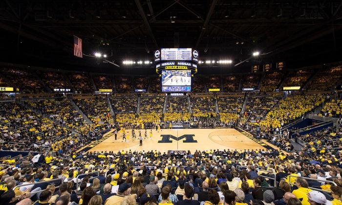 ¿Cuánto dinero ingresa anualmente el baloncesto de Michigan?