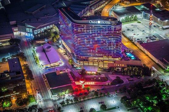 colors illuminate the Los 10 mejores hoteles Omni en los Estados Unidos