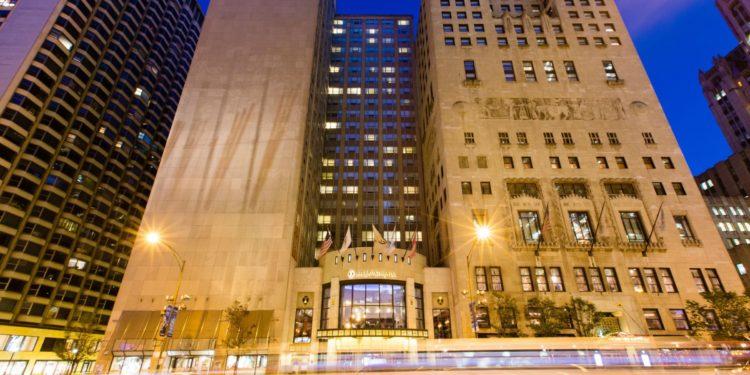 intercontinental chicago 4494507701 2x1 Los cinco mejores hoteles cerca de Wrigley Field