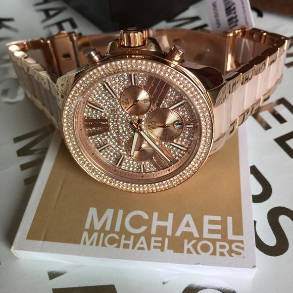 m 571ae4534225be966e014c50 Los cinco mejores relojes helados del mercado actual