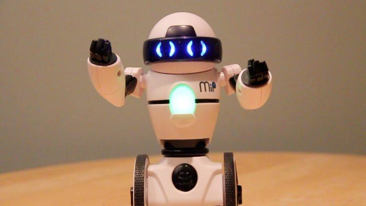 maxresdefault 62 Los cinco mejores robots de juguete educativos del mercado actual