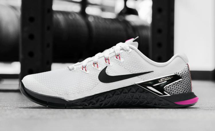 nike metcon 4 black white 2 Los cinco mejores modelos de Nike Metcon disponibles hoy