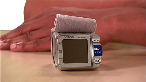 omron 7 series wrist blood pressure monitor model bp652 drugstore com 1 Los cinco mejores monitores de presión arterial del mercado actual