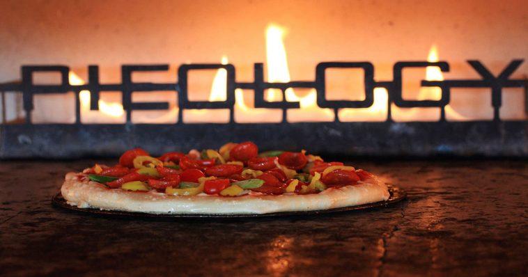 pieology pizza ¿Qué pasó con la cadena de pizzas de pieología?