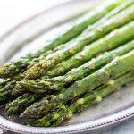roasted asparagus horiz a 1600 10 increíbles beneficios para la salud de comer espárragos