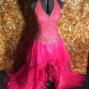 s 5ab7c6699cc7efe5cd3b9790 Los cinco tipos más comunes de vestidos que usan los ricos