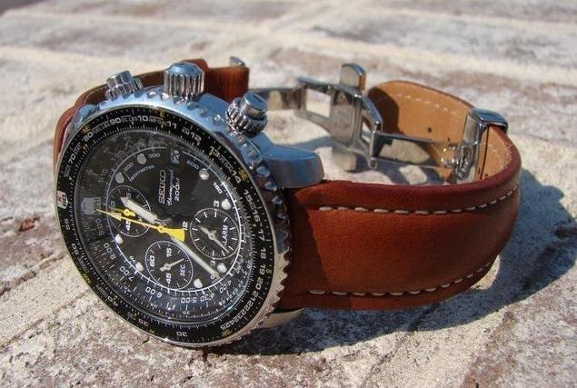 seiko mens sna411 flight alarm chronograph watch review 2 Los 10 mejores relojes de piloto por menos de $ 500