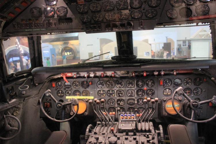 Museo del Mar, el Aire y el Espacio del USS Hornet