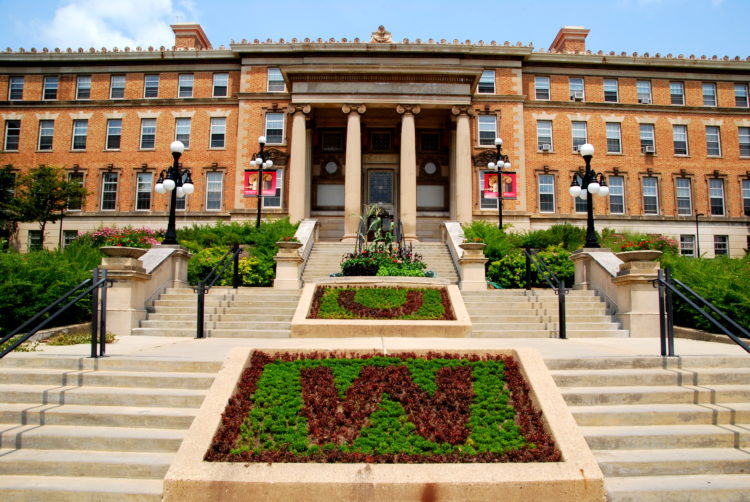 Universidad de Wisconsin = Museo de Geología de Madison