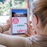 shutterstock 624572792 scaled e1585837879772 Cómo es realmente trabajar en Airbnb