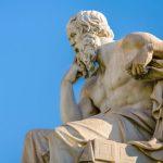 shutterstock 631522499 scaled e1585330869908 20 citas de Sócrates que se aplican a los negocios