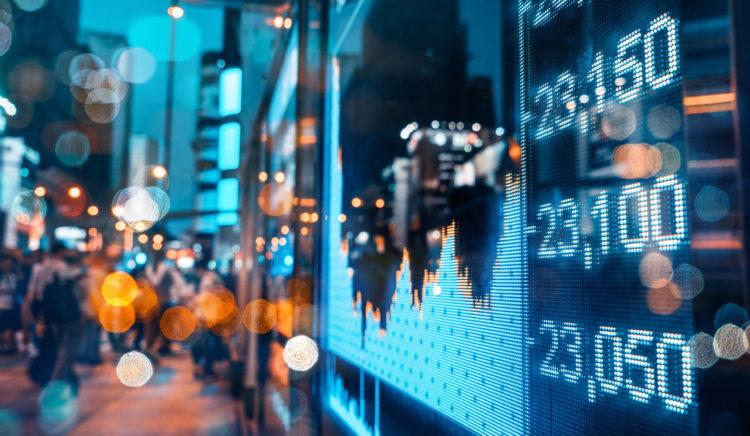 shutterstock 732185581 scaled e1584011949141 ¿Es Moderna Stock una inversión sólida a largo plazo?