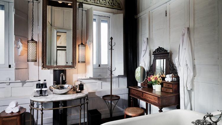the siam. connies cottage bathroom 1 Es posible que desee visitar la villa centenaria de Siam Bangkok