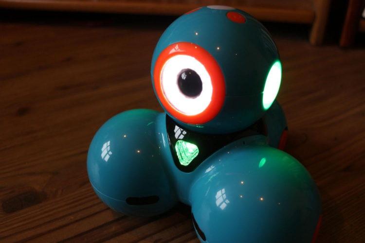 wonder workshop dash dot 6600 1500x1000 Los cinco mejores robots de juguete educativos del mercado actual